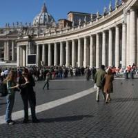 A Vatikánban este tízkor lesz az