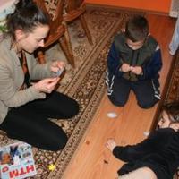 Játszanak a gyerekek