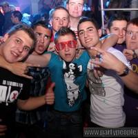 Party arcok Budapest - Keresd a hibát! :-)