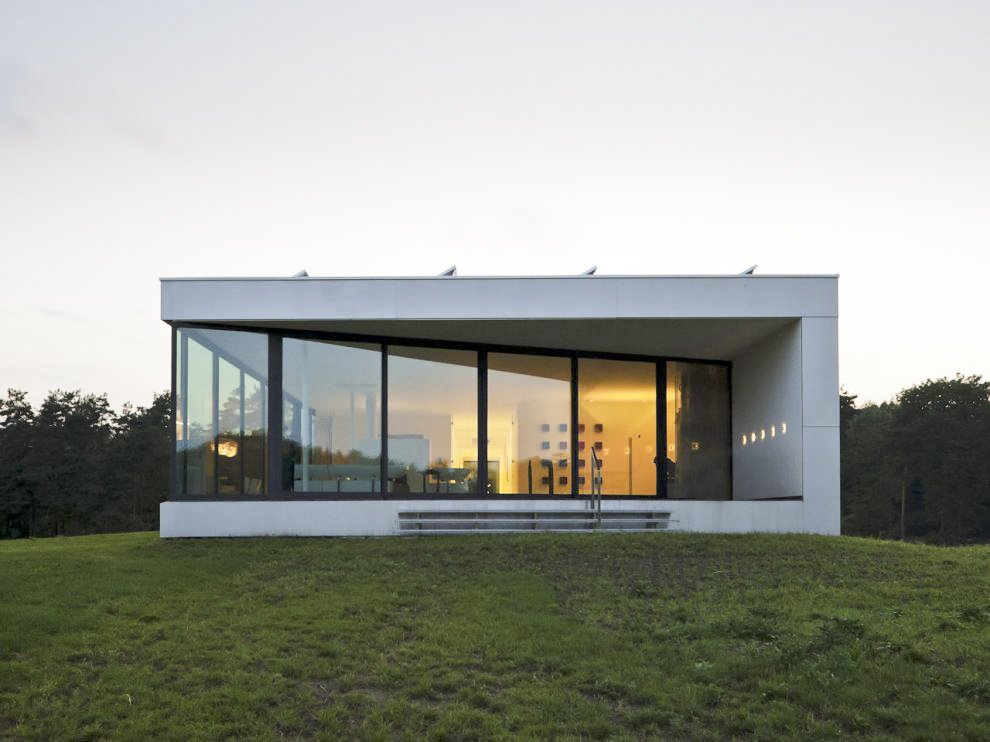 The minimalist bridge house in achterhoek netherlands for Minimalist house blog