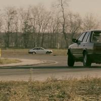 Autóbuzéria a faluvégen és egy új Opel