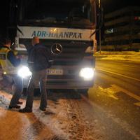 A finn kamionos összetörte a félig magyar, félig svéd Mercedest - újabb fejlemények!