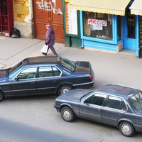 Kreatív parkolás kicsikkel és naggyal