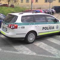 Pozsonyi rendőrök: halmozott bűneset