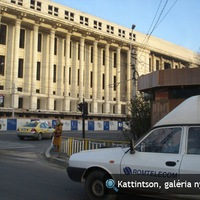 Drótok és SUV-ok Bukarestben