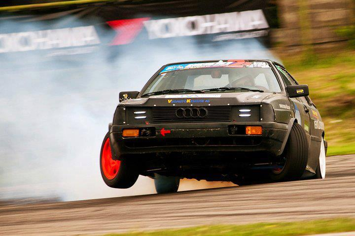 Audi 1-wheel drifting.jpg