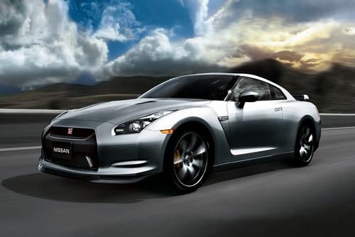 Az autógyártók azonban ráharaptak a dolog presztízsértékére f22aebf914