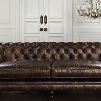 Íme a klasszikus Chesterfield kanapé
