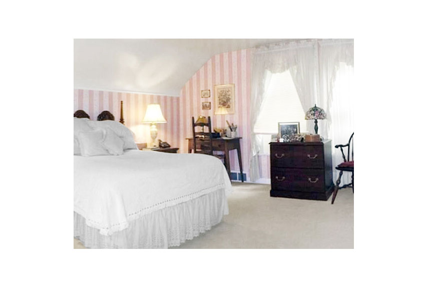 54eb5abd3aa88_09-hands-on-education-master-bedroom-before-0913-xln.jpg