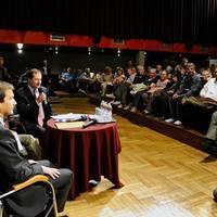 Bajnai Gordon és Szabó Tímea lakossági fórumot tartott Óbudán