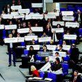 Miért küldték ki a német balosokat a parlamentből?