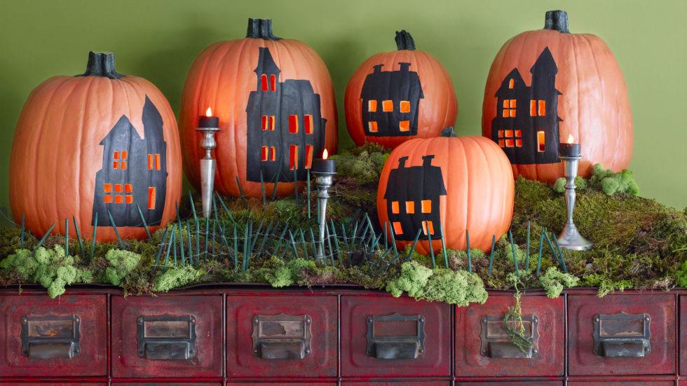 pumpkin_with_house.jpg