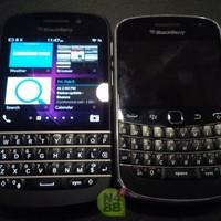 A BlackBerry 9900 és a Q10 egymás mellett