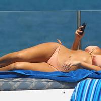 Kim Kardashian romokban, oda a BlackBerryje