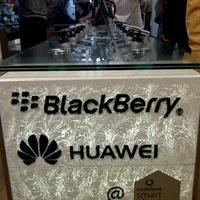 Tele van BlackBerryvel a pesti Vodafone Smart Store
