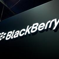 Robognak a szoftveres eladások, de a mobiloknál behúzta a féket a BlackBerry