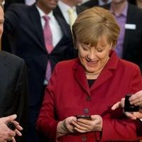A tiéd lehet Angela Merkel telefonja