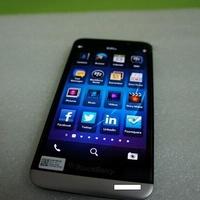 És akkor jöjjenek újabb képek és videók a BlackBerry A10-ről!