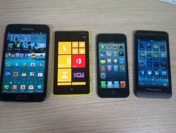 note2-lumia820-iphone5-lseries.jpg