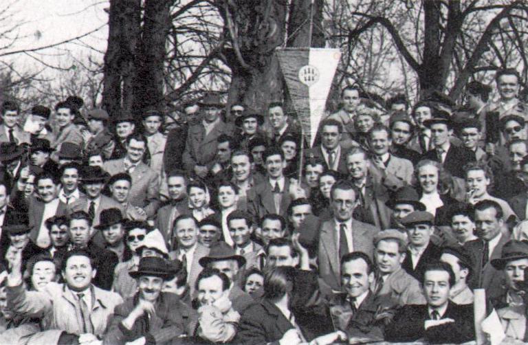 19570127_fradi-palya-b-kozep-fradi-zaszlo.jpg