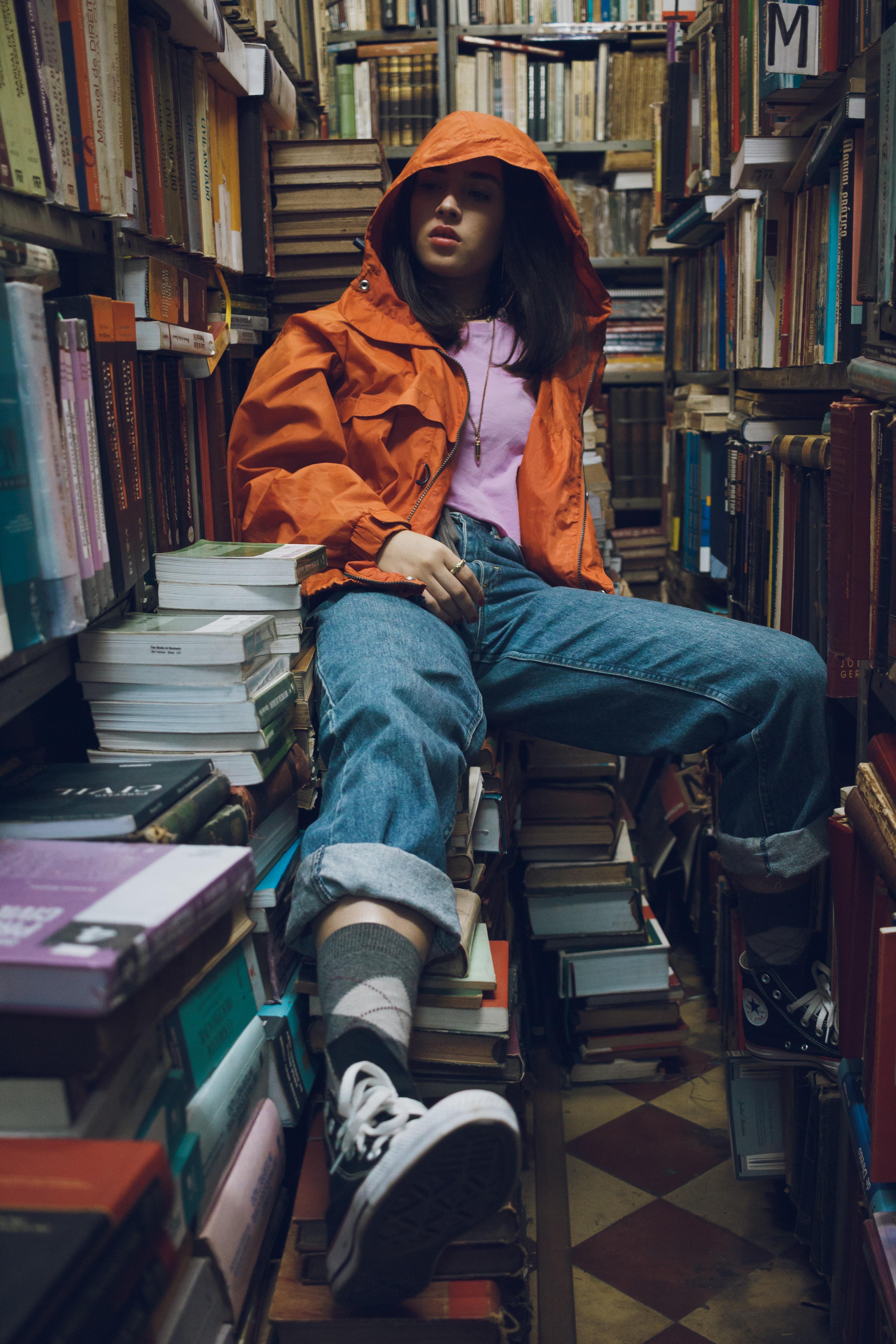 adolescent-book-series-bookcase-1854016.jpg