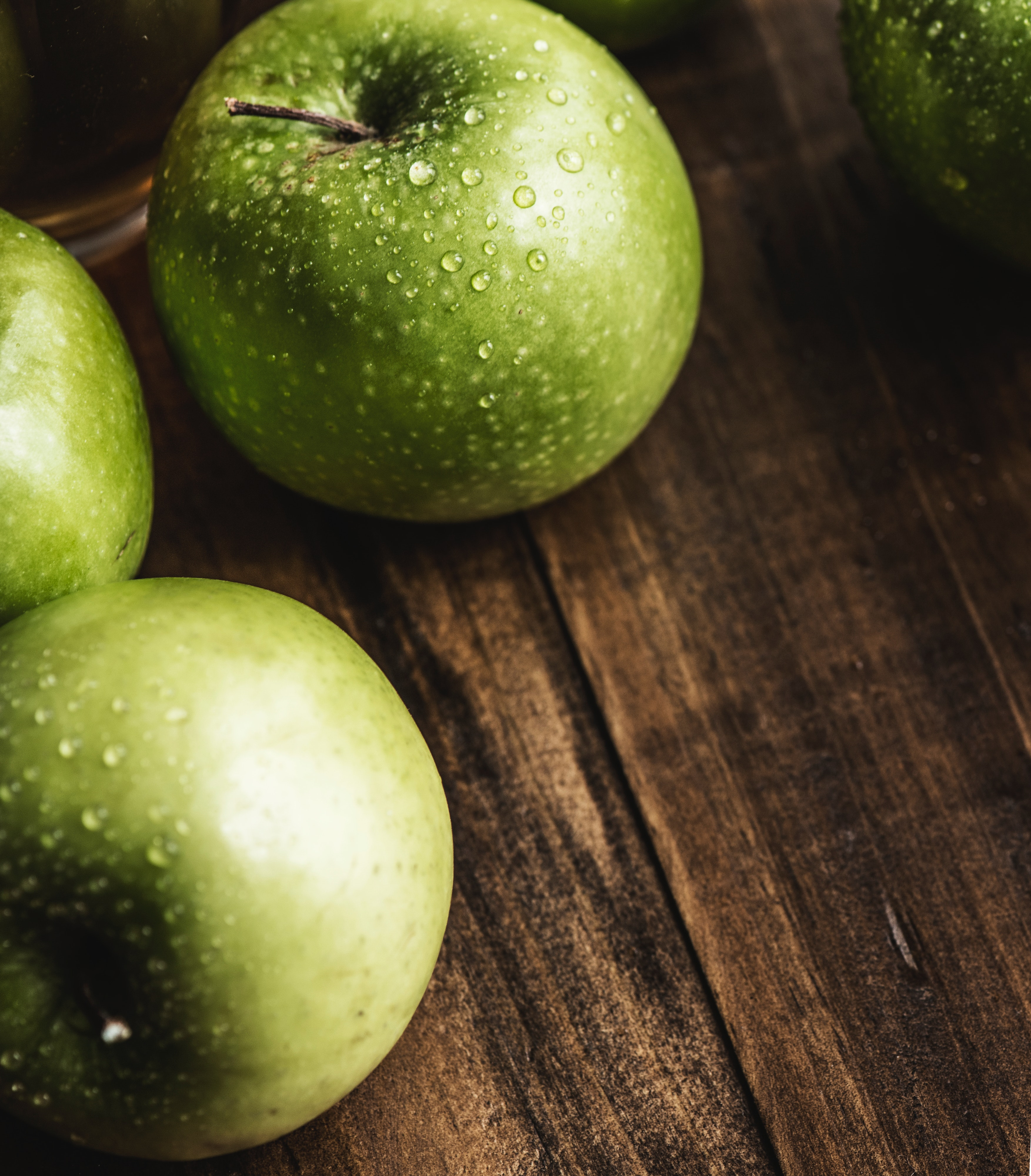 apples-close-up-color-1143552.jpg