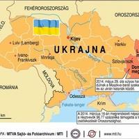 Menekülnek az ukránok a hazájukból - épül a vasfüggöny a határra