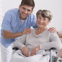 Szabad-e önkénteseket a betegek közelébe engedni?