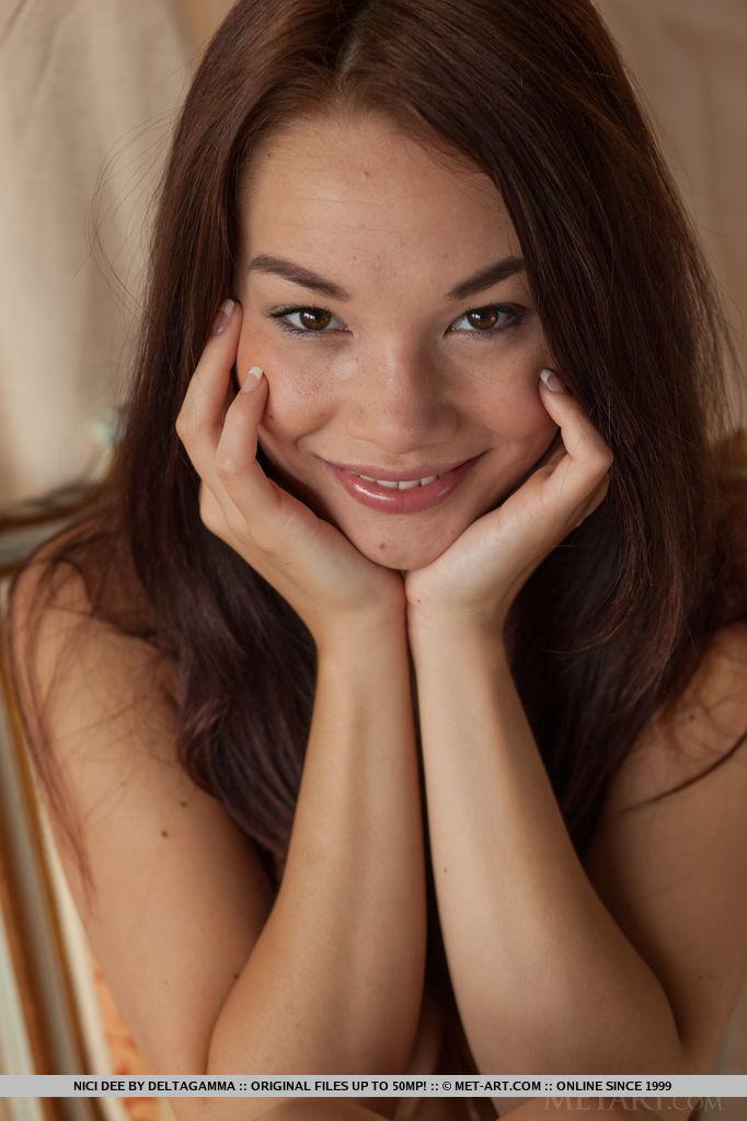 enjoy-astonishing-brunette-nici-dee-in-nude-posing-14.jpg