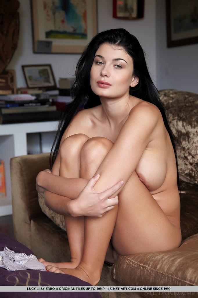 outstanding-busty-babe-lucy-li-displays-her-curvy-body-05.jpg