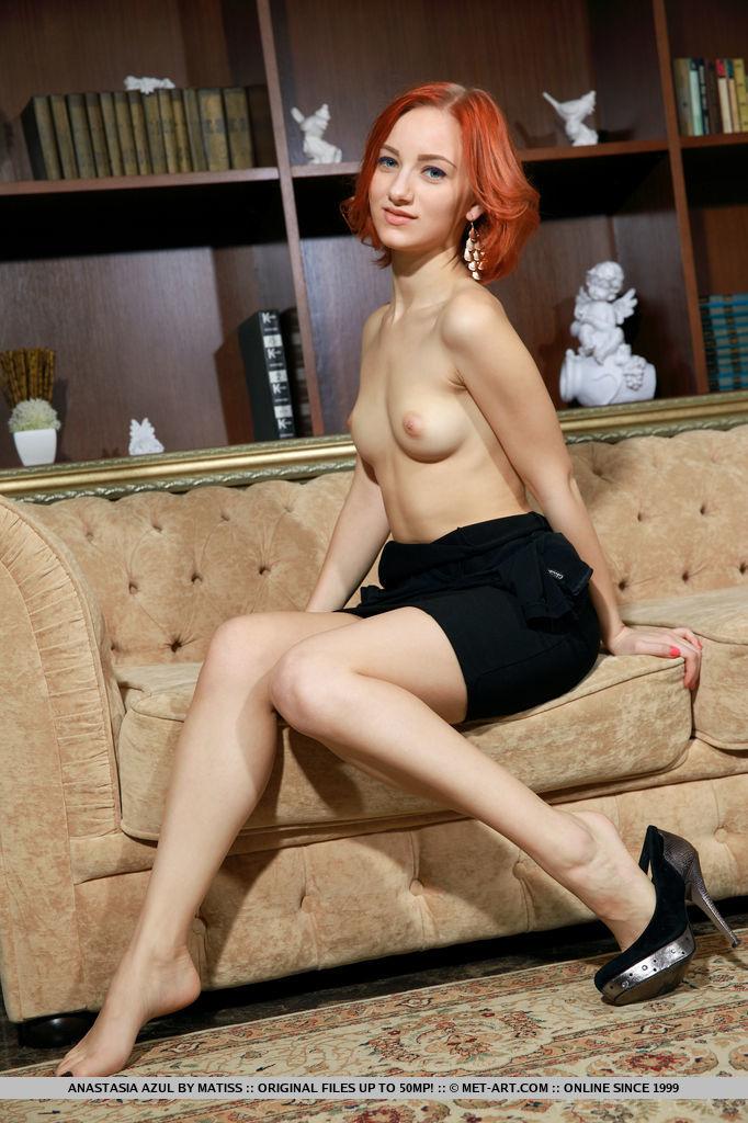 redhead-chick-anastasia-azul-loses-her-black-tight-dress-03.jpg