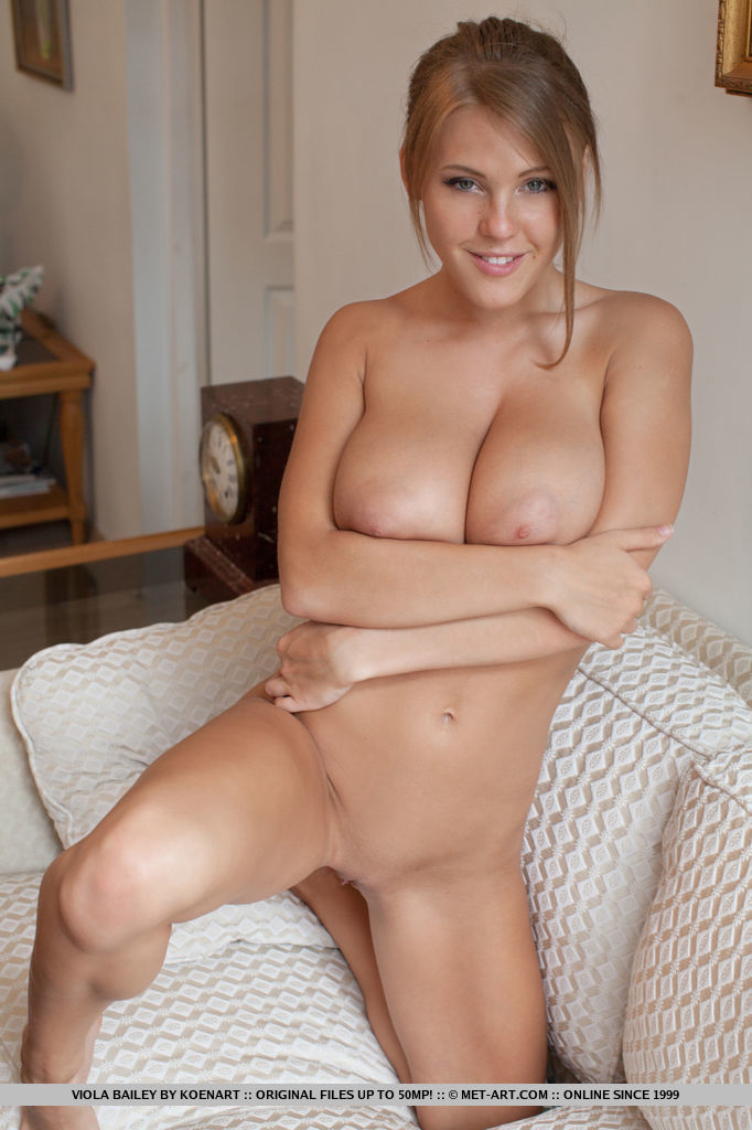viola-baileys-amazing-breasts-will-leave-you-breathless-08.jpg