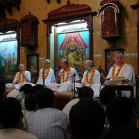 Vasárnapi program Bombay-ben