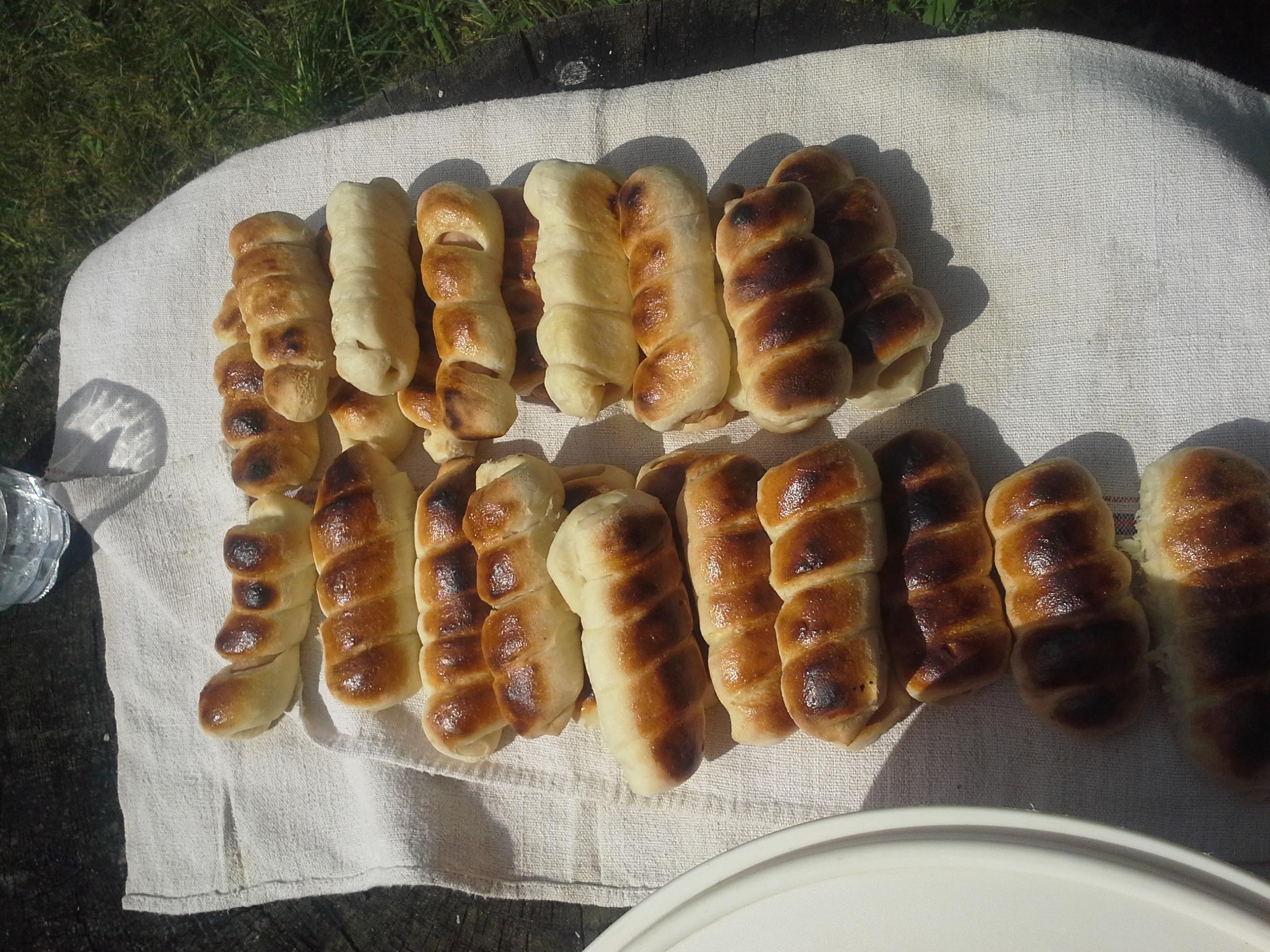 Virsli kenyértésztában.jpg