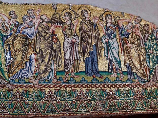 Újra teljes pompájukban ragyognak a betlehemi mozaikok