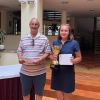 Bicskei golfozó a bruttó győztes a Bakony fővárosában!