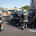 Beszorult sérült mentése az M1-esen - Légi mentők szállították kórházba