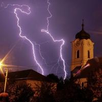 Vasárnapi villámok, amikor mennydörgésre ébredtünk hajnalban - Fotó: Bajmóczy György