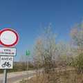 Tilos behajtani a budai útra - Kivéve célforgalom, kivéve kerékpár