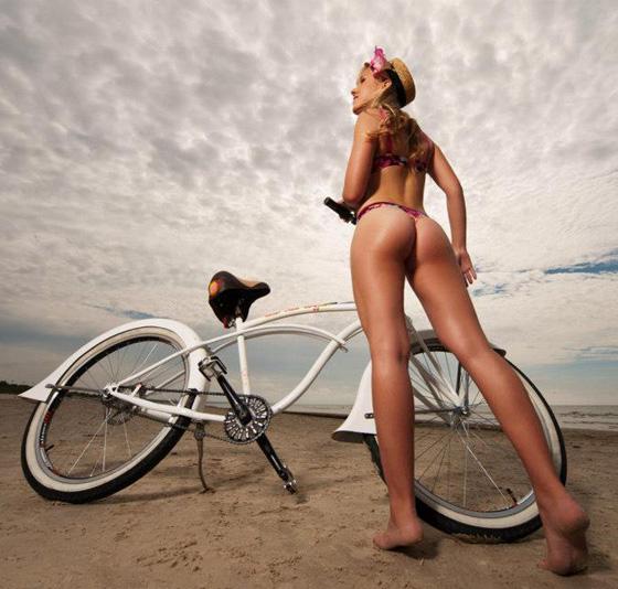 red sun buffet-Liepaja-bicycle-bike-girl 3.jpg