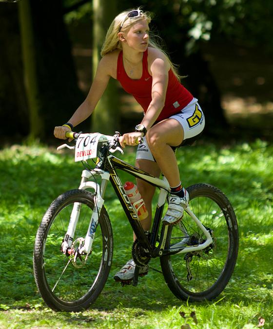 Vendula Kuntová český jezdec dívky_czech bike_girls.jpg