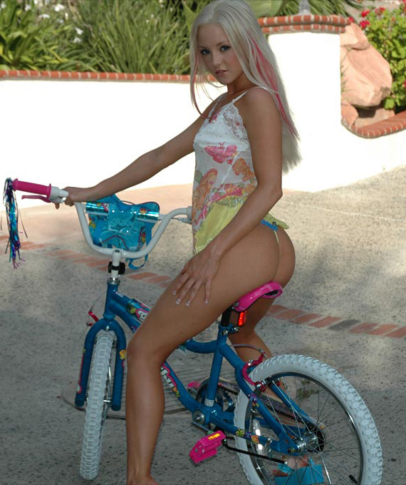 dream kelly bmx girl naked bicycle babe ride 3.jpg