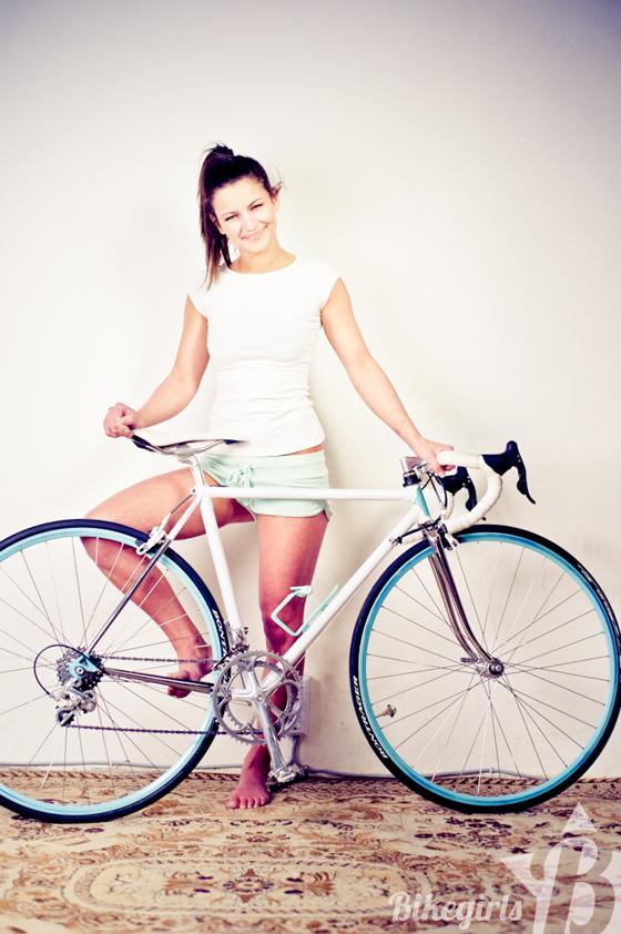bikegirls anett 6.jpg