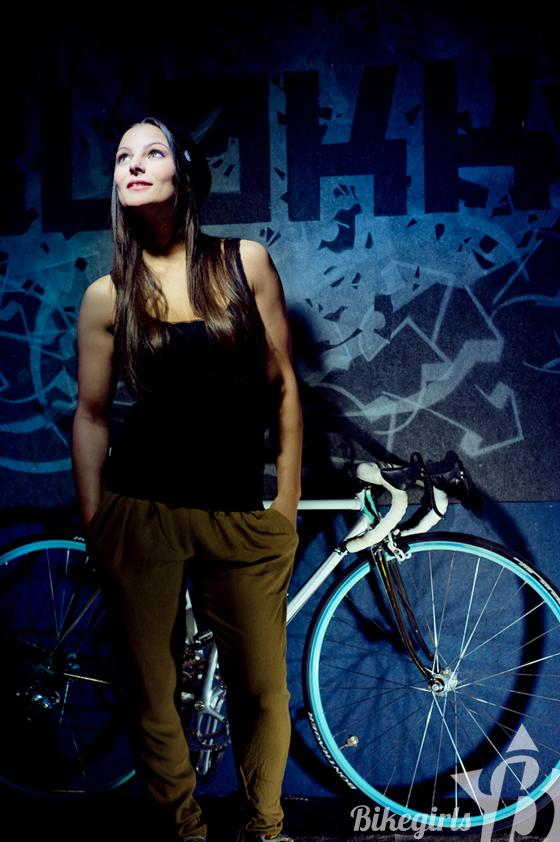 bikegirls anett 8.jpg