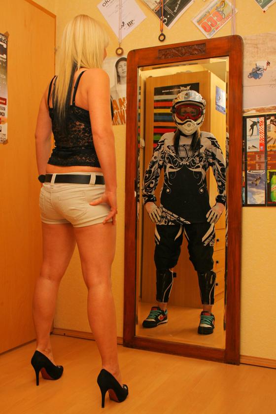 bikegirls_zsanett_1.jpg