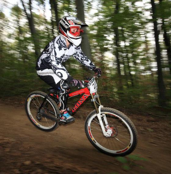 bikegirls_zsanett_7.jpg
