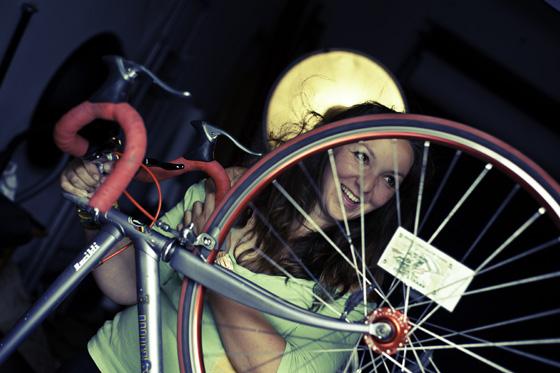 elisabeth bikegirls 3.jpg