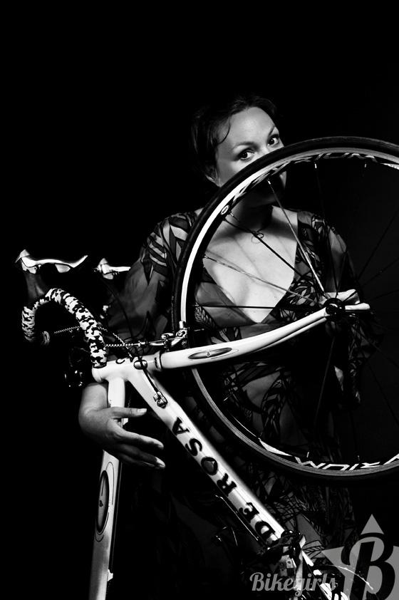 elisabeth bikegirls 9.jpg