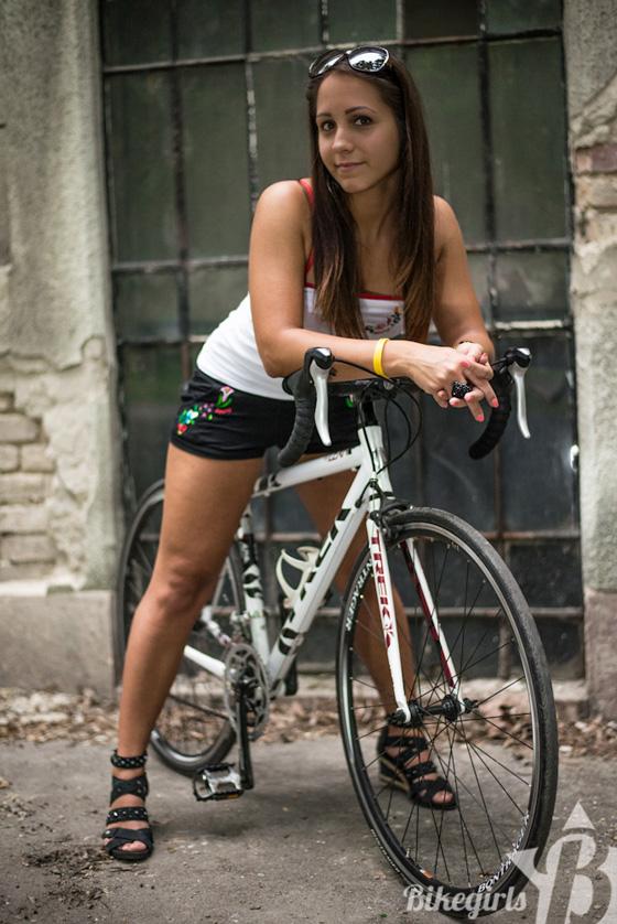 judit bikegirls 7.jpg