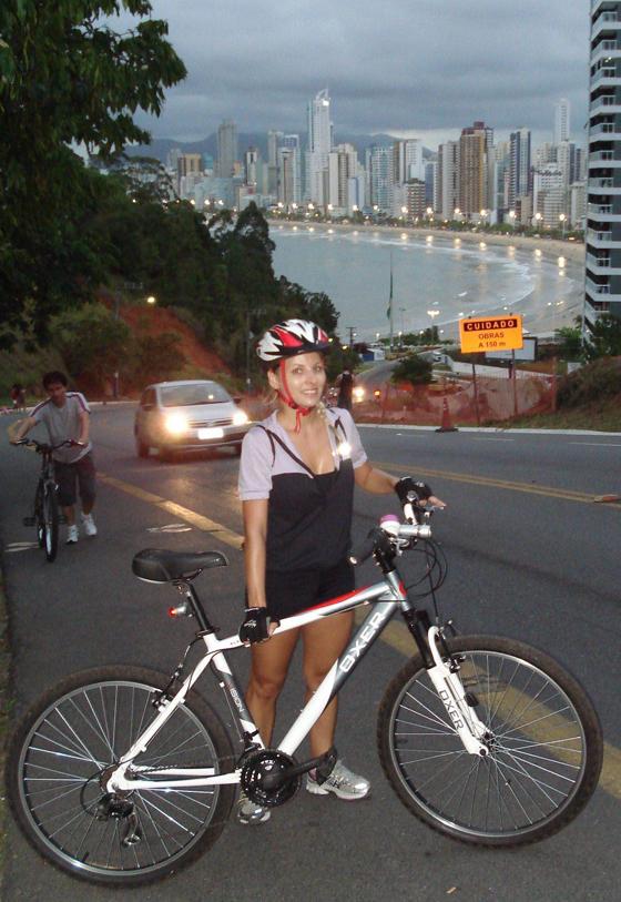 Rafa Gonçalves_bikegirls 2.jpg